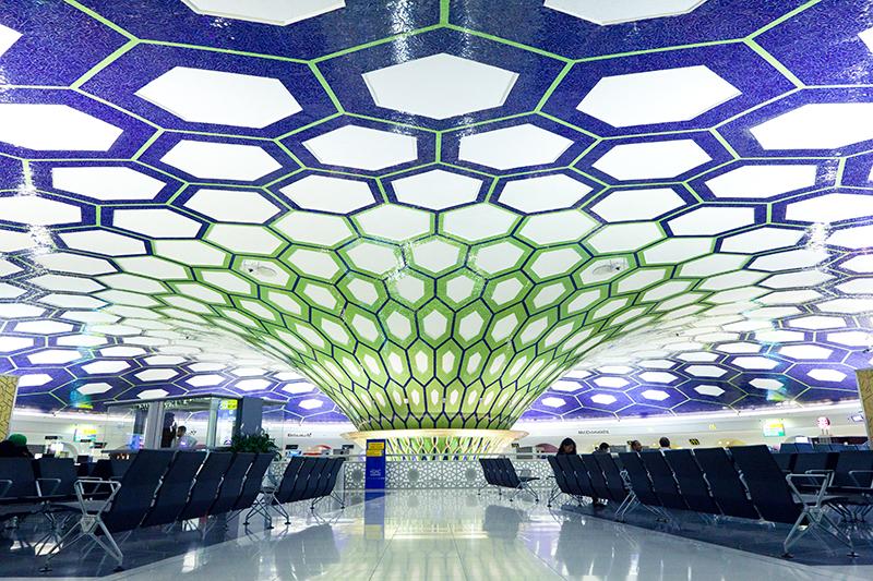 Самостоятельные путешествия: Международный аэропорт Абу-Даби, ОАЭ