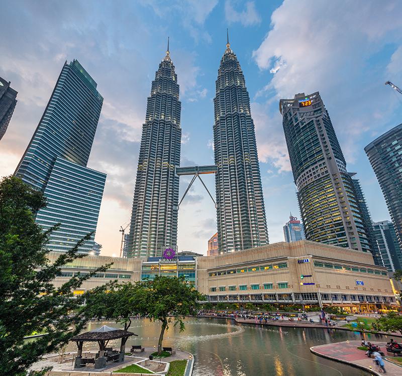 Достопримечательности Куала-Лумпура: Башни Пертонас