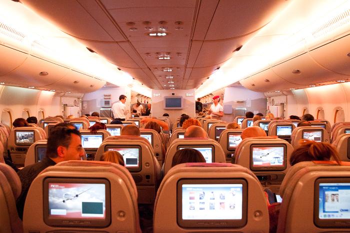 Перелеты с пересадками: На борту Airbus A380 компании Emirates