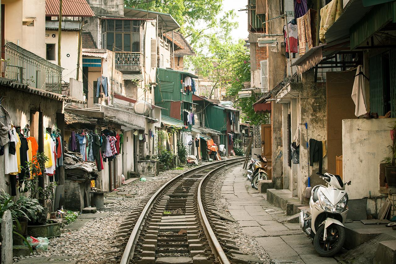 Путешествие по Вьетнаму, Ханой: Дома на железной дороге