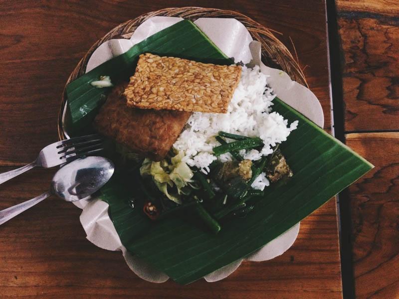 Бали для бюджетного туриста: Обед в ваrунге