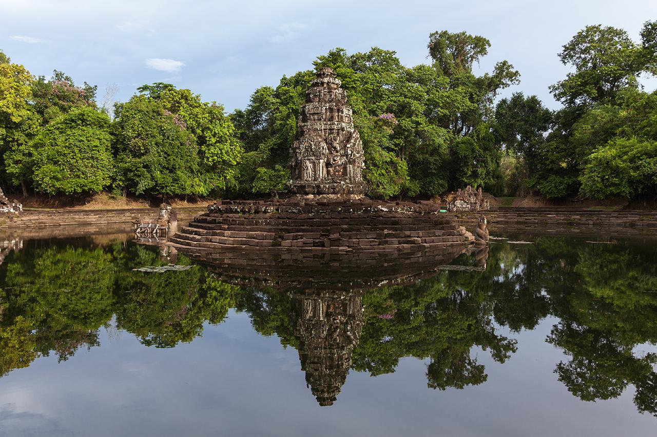 "Путешествие по Камбодже: Неак-Пеан, храм ""большого круга"" парка Ангкор"