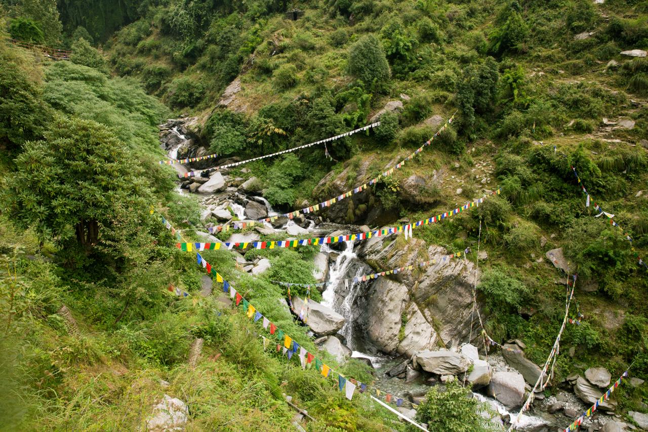 Путешествие по Индии: Водопад в пешей доступности от Маклеод-Гандж