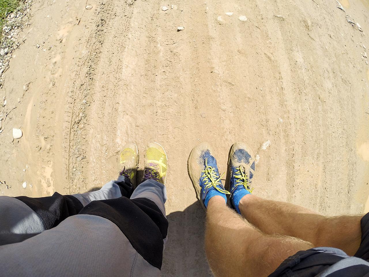 Путешествие по Лаосу: Наши ноги после одной из луж