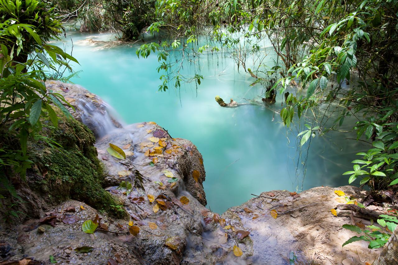 Путешествие по Лаосу: Бирюзовая вода Куанг Си