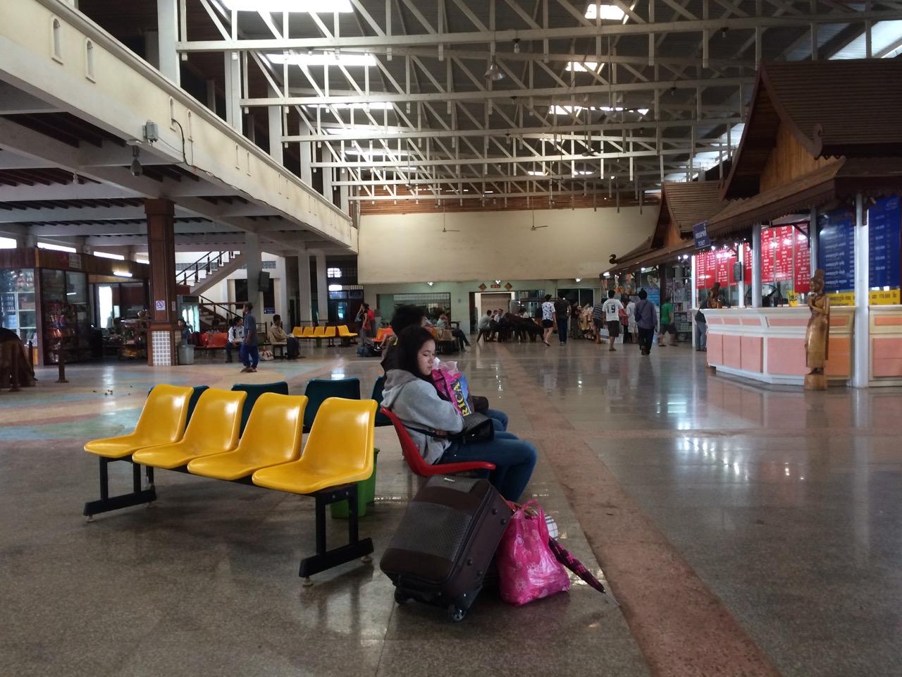 Путешествие по Лаосу: Северный автовокзал, Вьентьян