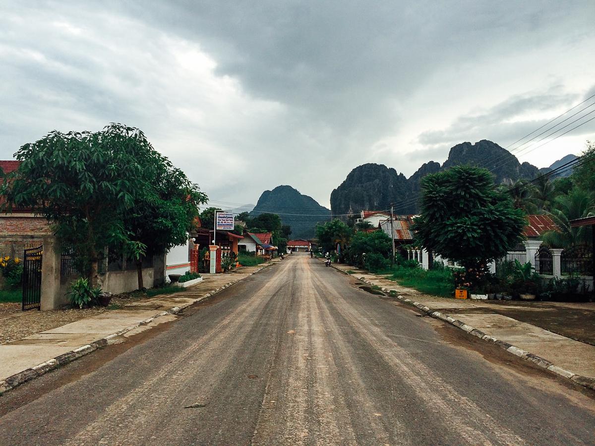 Путешествие по Лаосу: Улица Ванг Вьенга