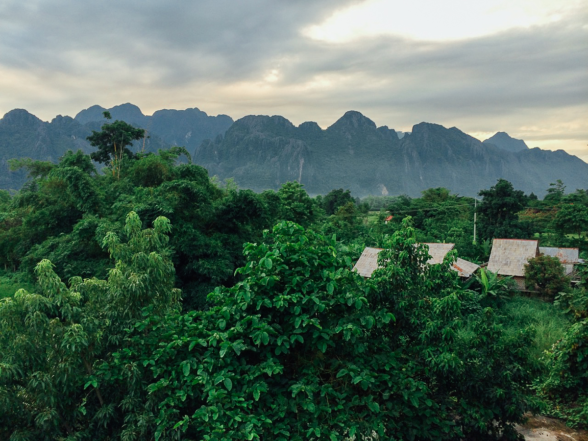 Путешествие по Лаосу: Закат над Ванг Вьенгом