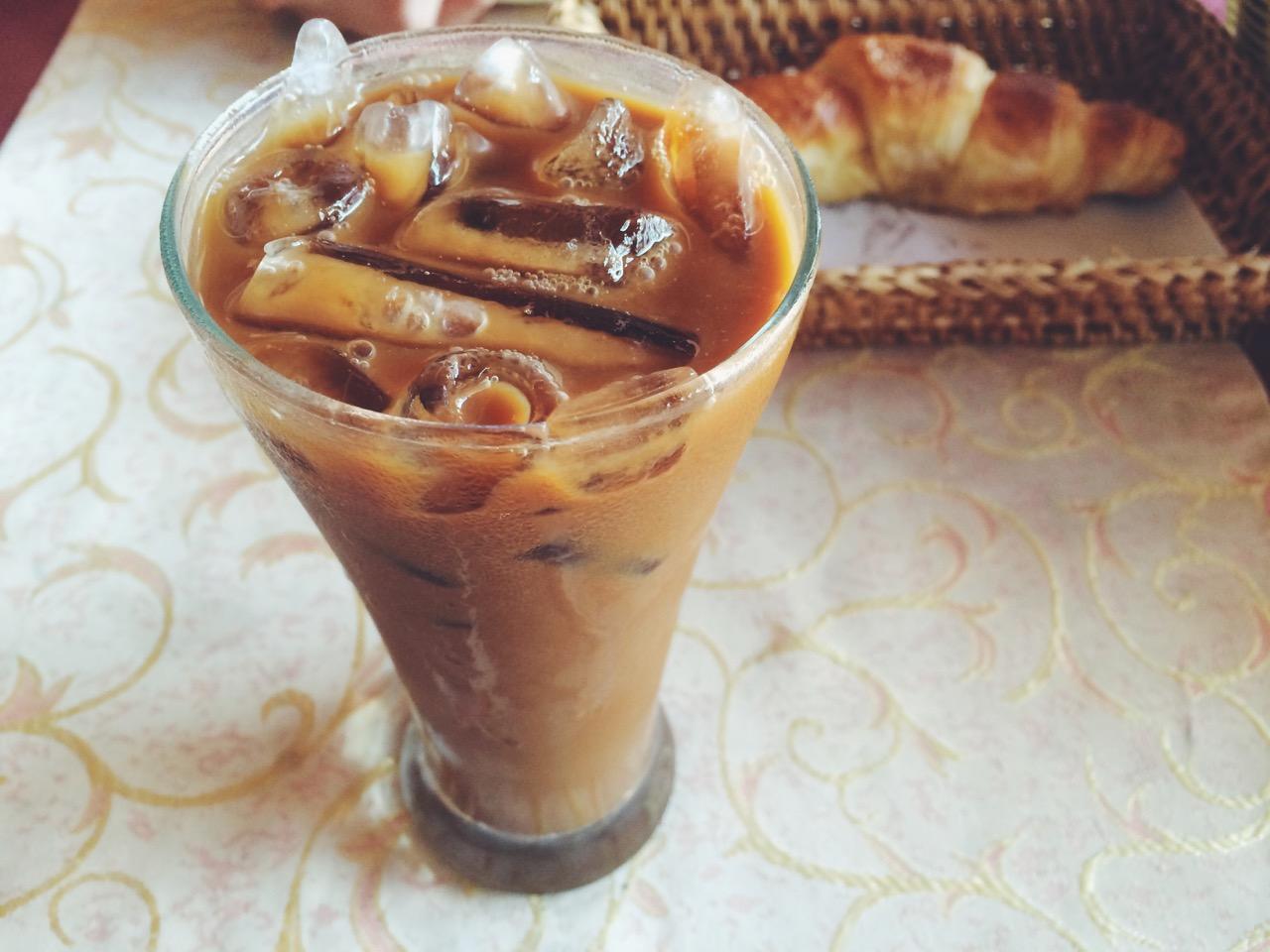 Путешествие по Лаосу: Французский завтрак в Луанг Прабанге