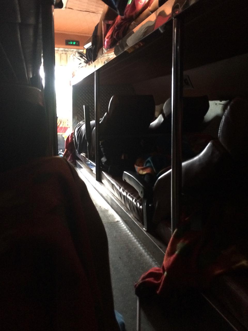 Путешествие по Камбодже: Спальный автобус Сием Рип — Сиануквиль