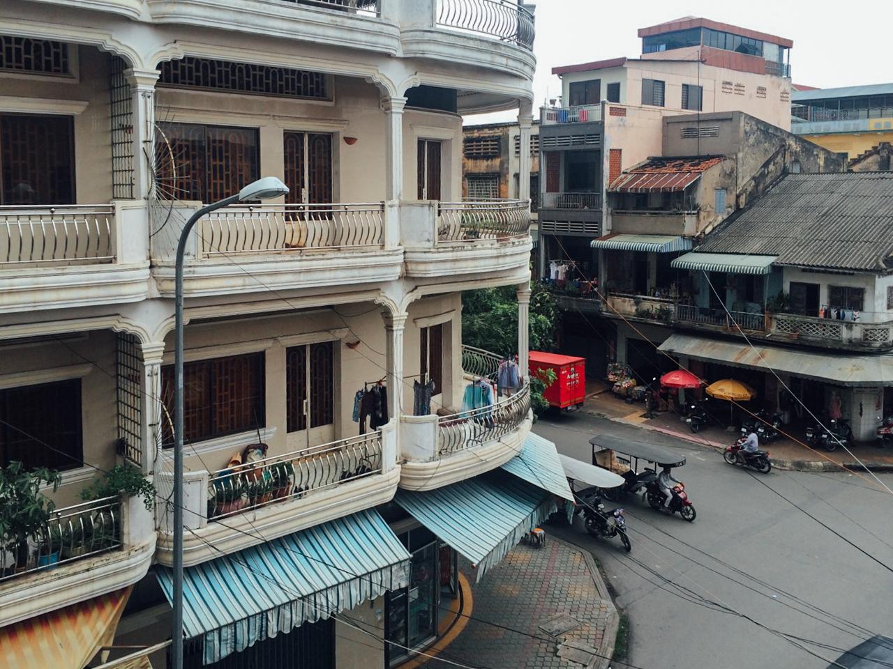 Путешествие по Камбодже: Вид из окна нашей комнаты