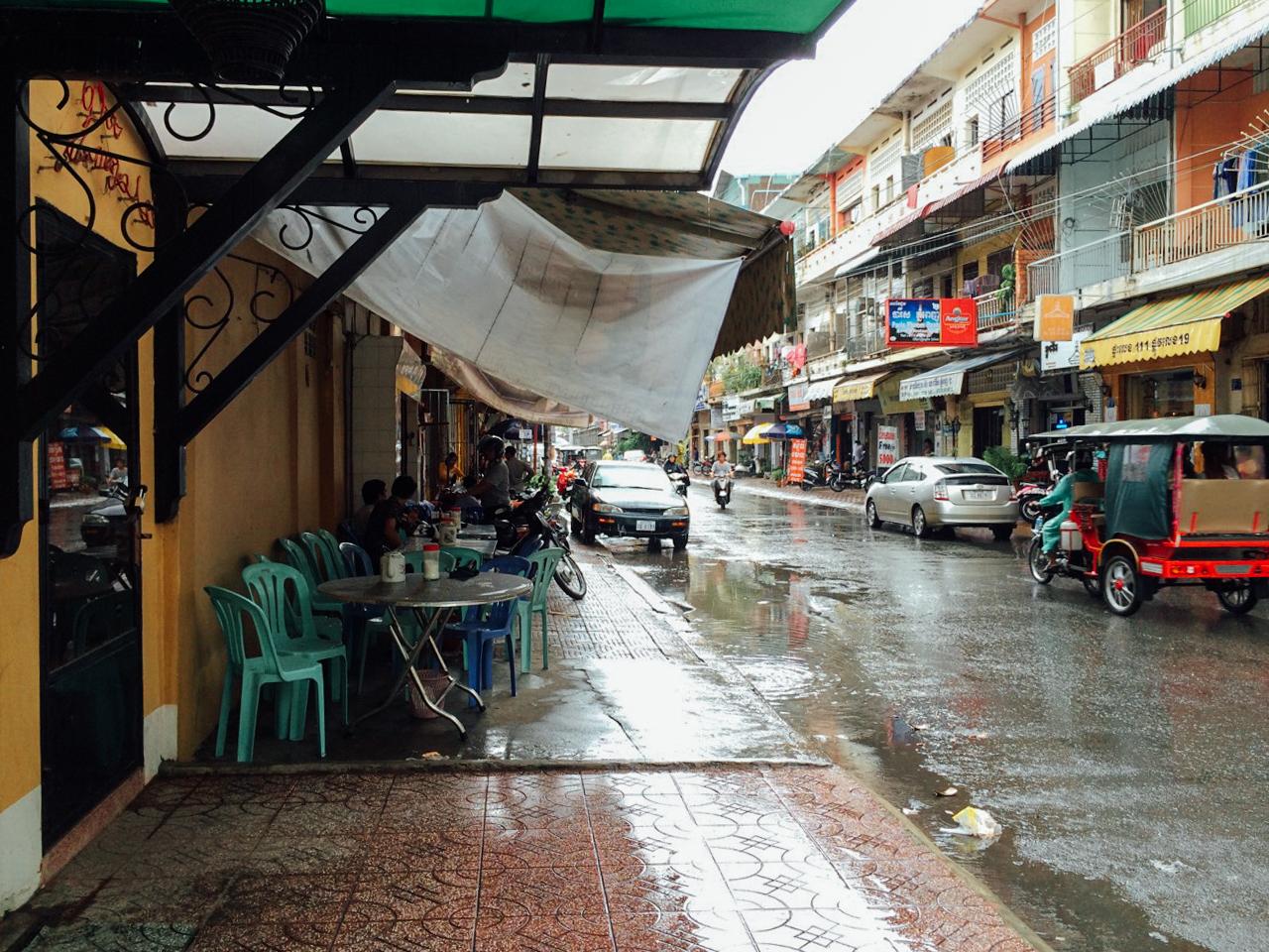 Путешествие по Камбодже: Улица Пномпеня