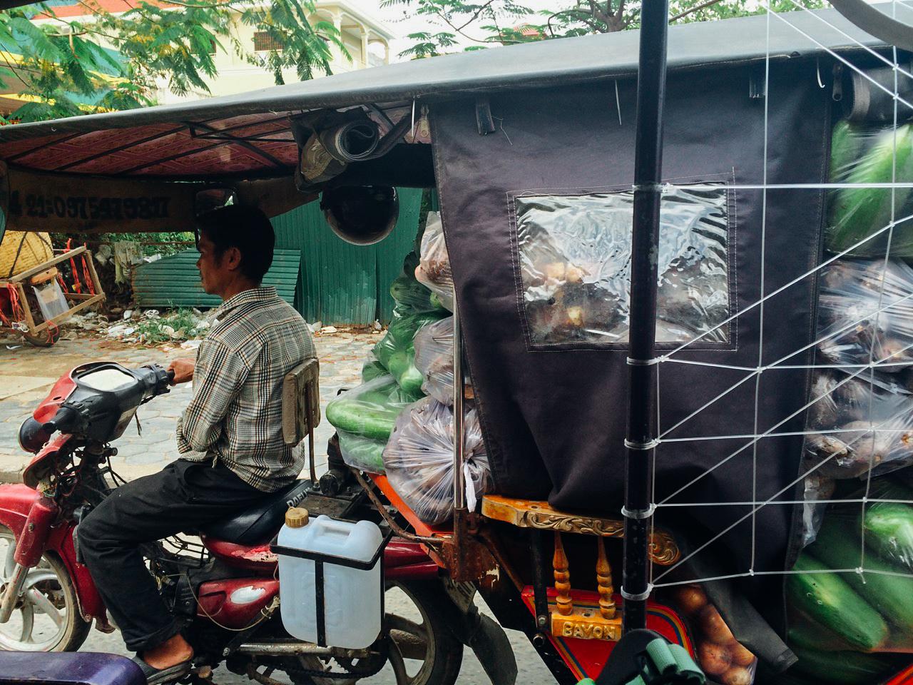 Путешествие по Камбодже: Кадр, снятый по дороге в аэропорт