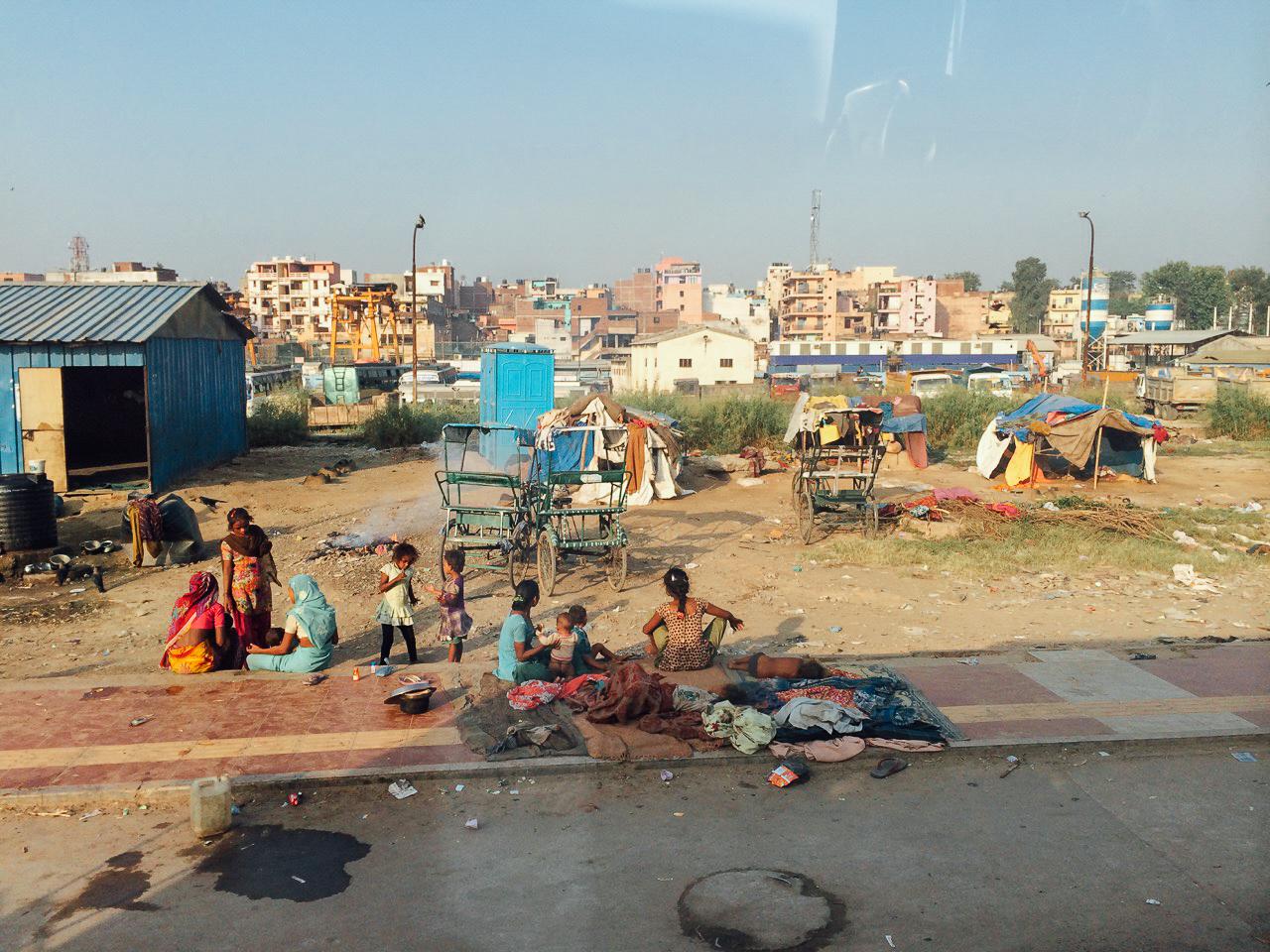 """Путешествие по Индии: местные жители и их импровизированные """"дома"""""""
