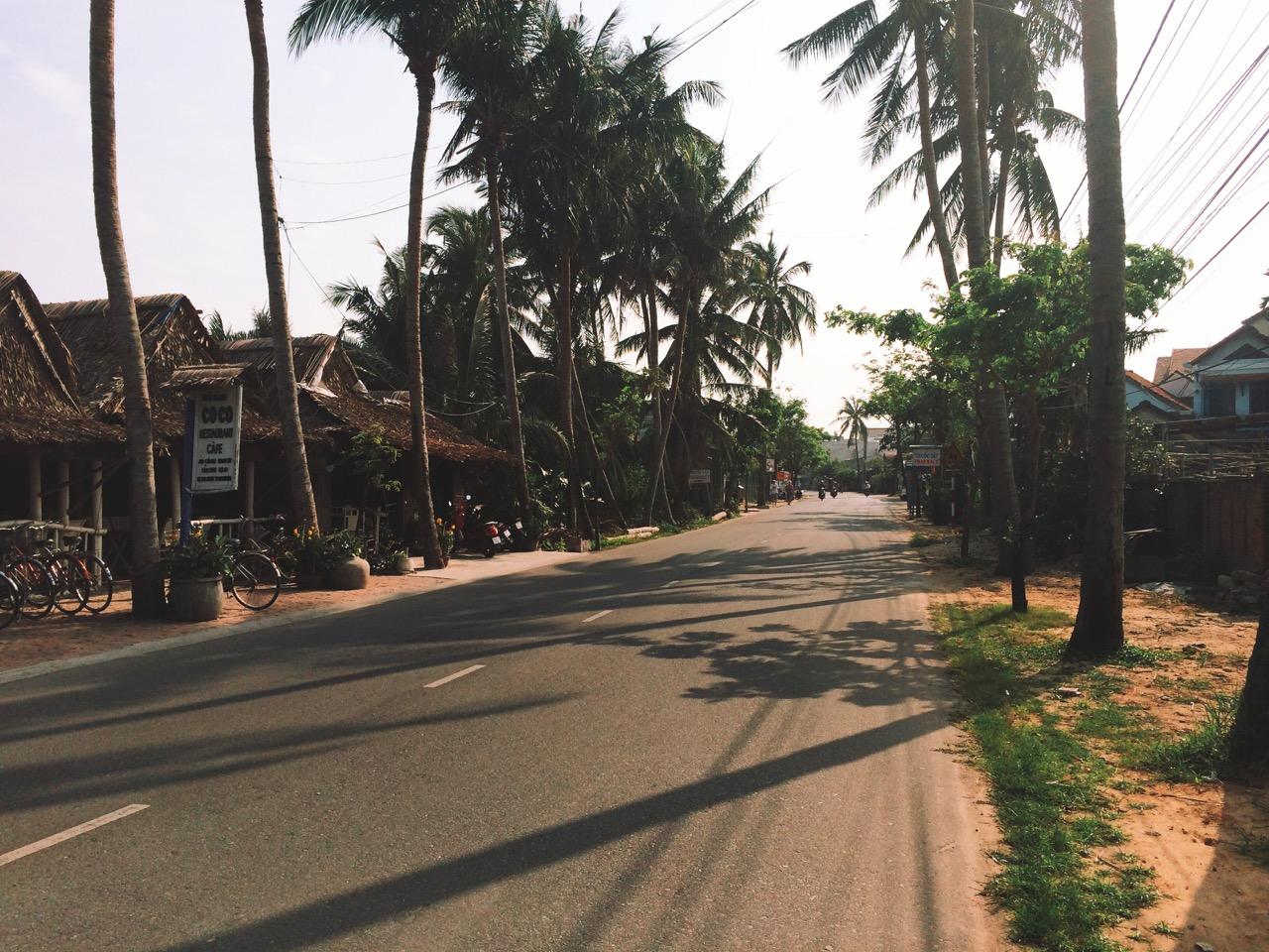 Путешествие по Вьетнаму: По дороге до пляжа, Хойан