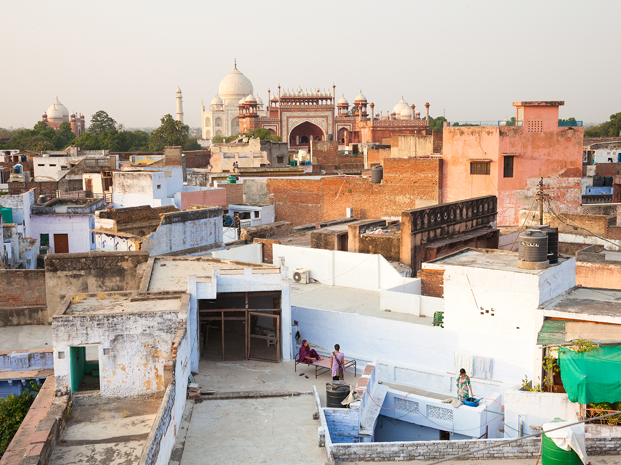 Путешествие по Индии: Вид на Тадж-Махал с крыши отеля