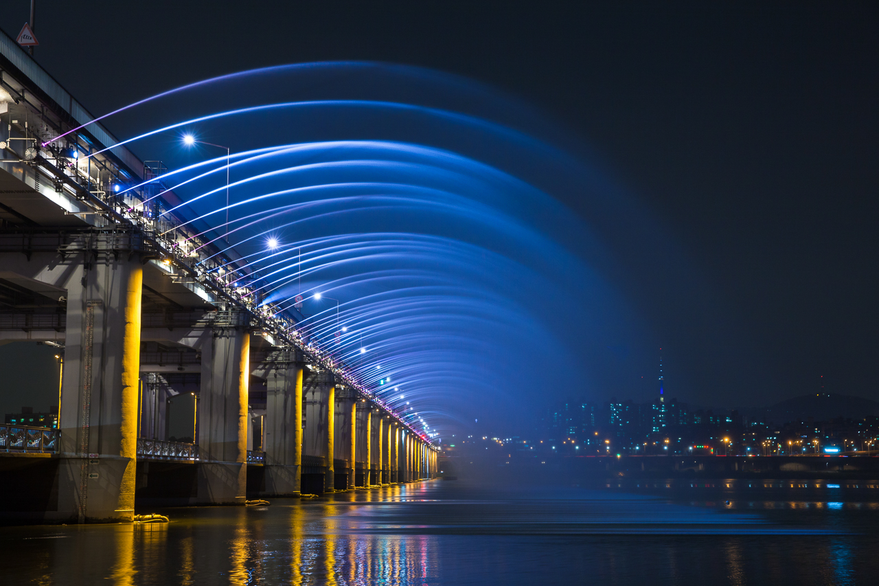 Достопримечательности Сеула: Радужный мост-фонтан