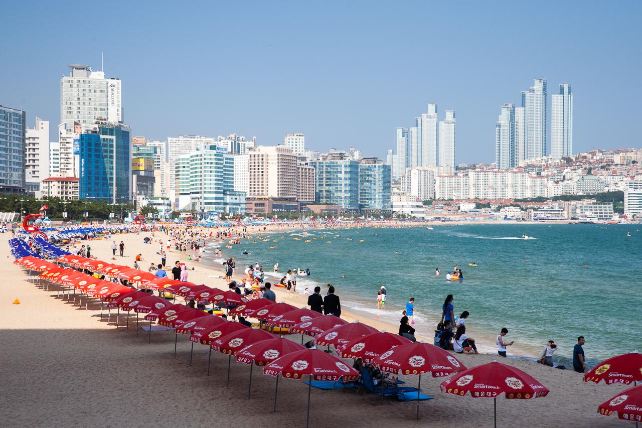 Путешествие по Южной Корее, Пусан: Пляж Хэундэ (Haeundae), один из самых популярных пляжей Пусана