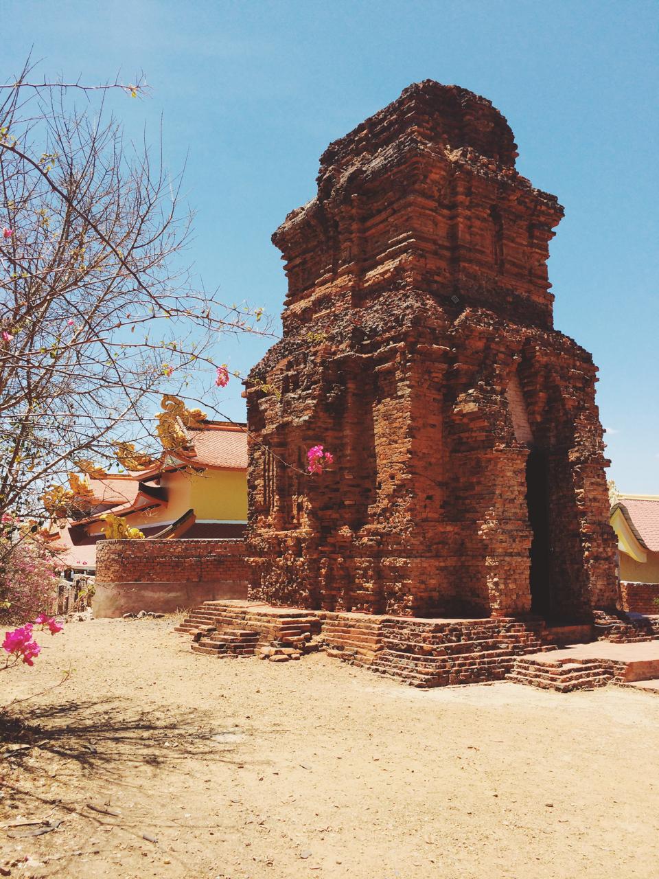 Путешествие по Вьетнаму, Муйне: башня Пошану
