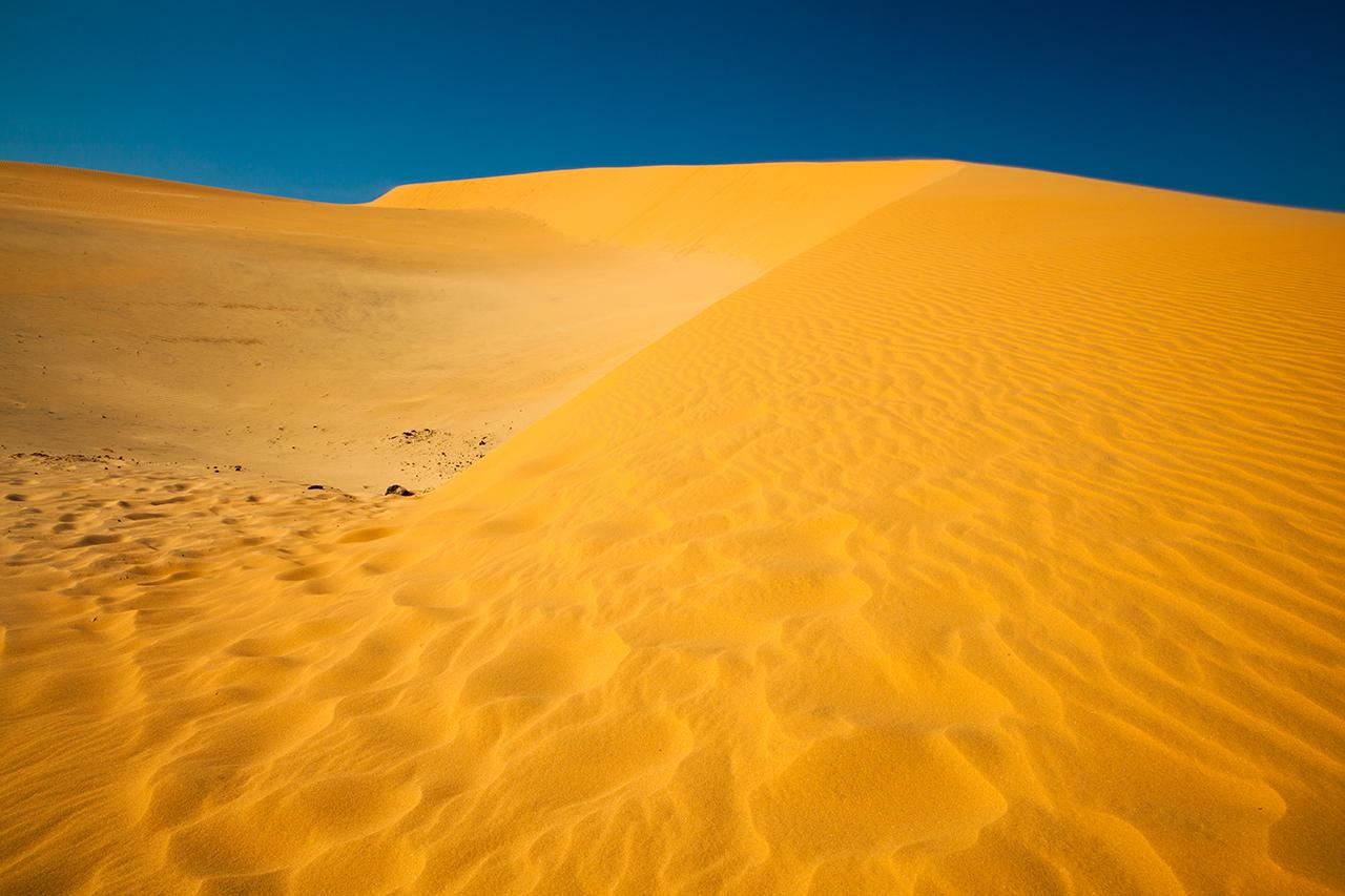 Путешествие по Вьетнаму, Муйне: красные дюны