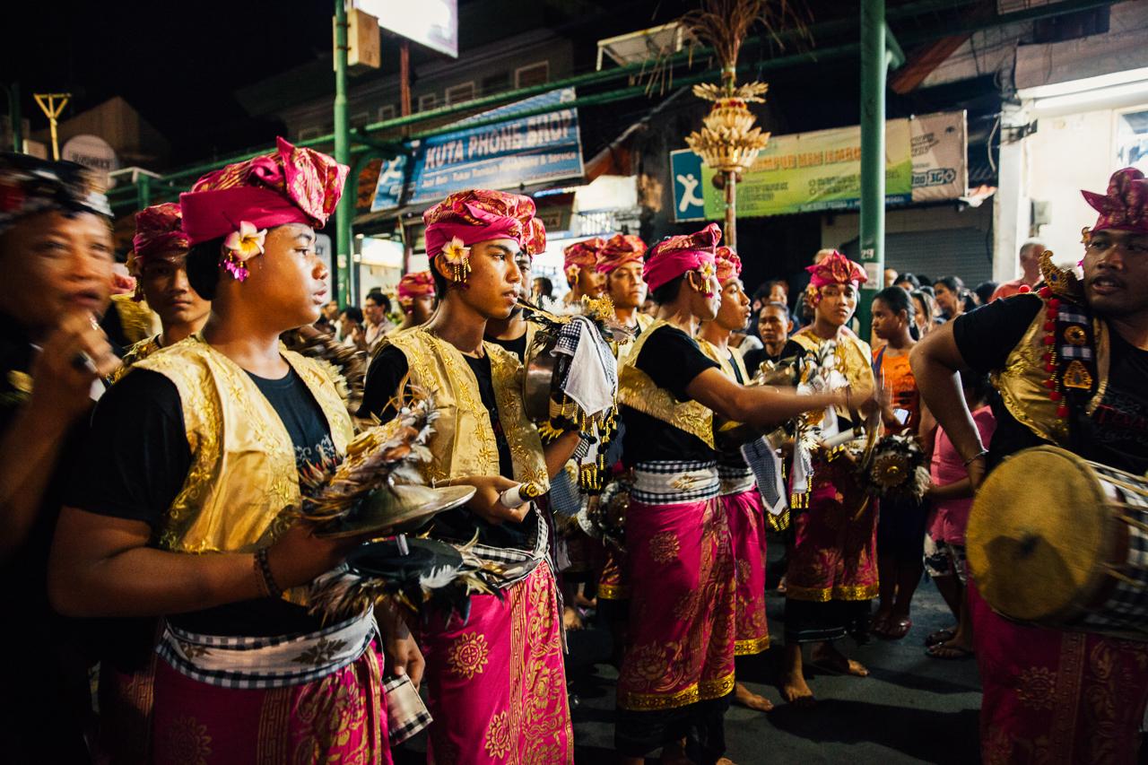 День тишины на Бали: Музыканты на параде Ого-Ого