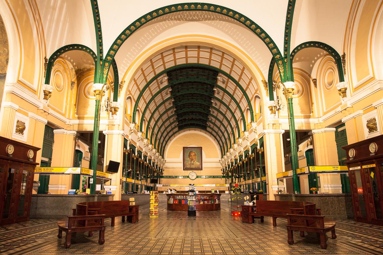 Достопримечательности Хошимина, Вьетнам: Центральный почтамт