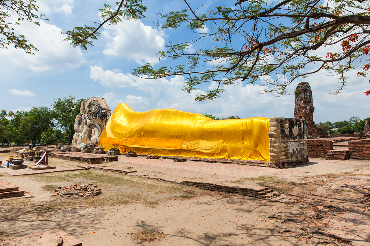 Путешествие по Таиланду, Аюттхая: Ват Локаясутхарам
