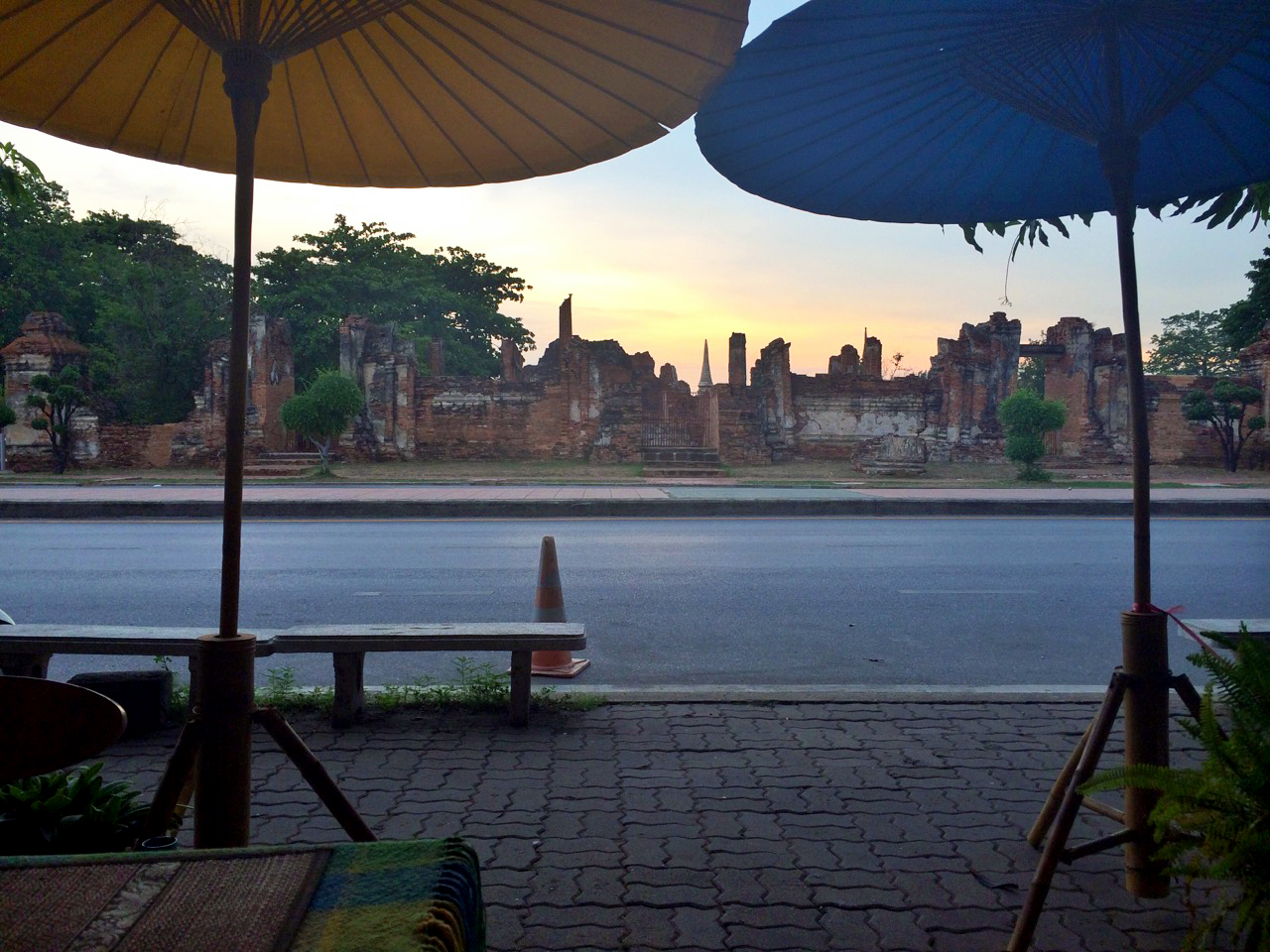 Путешествие по Таиланду, Аюттхая: Закат над руинами