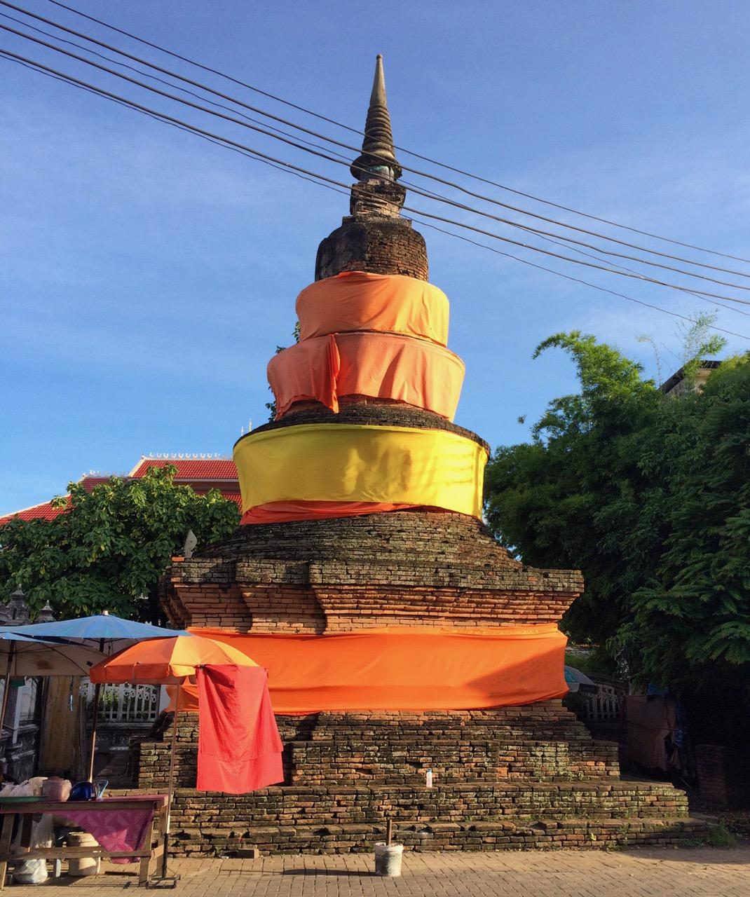 Путешествие по Таиланду, Чиангмай: Древняя ступа
