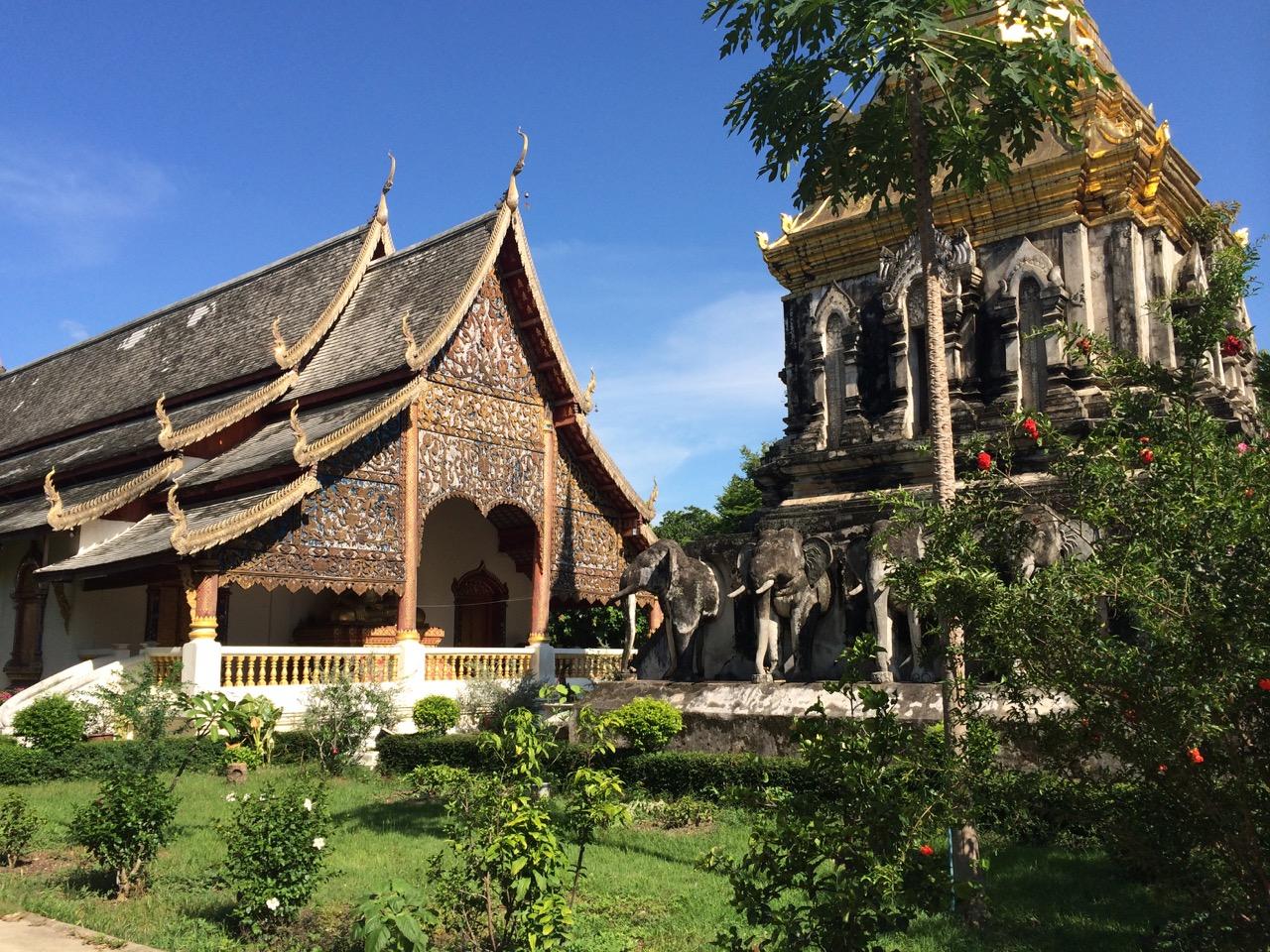 Путешествие по Таиланду, Чиангмай: Старейший храм Чиангмая (Wat Chiang Man)