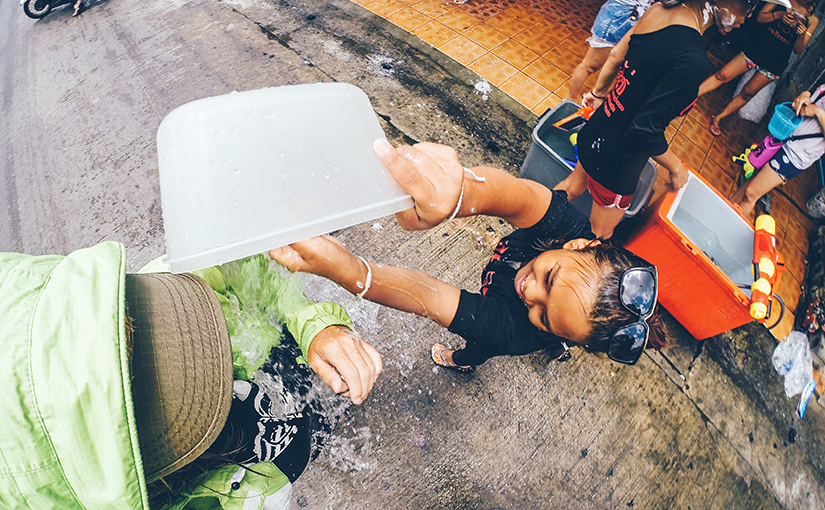 Празднование тайского Нового Года Сонгкран