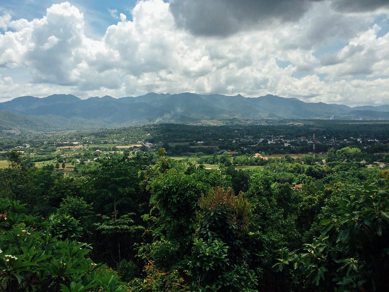 Путешествие по Таиланду, Пай: Виды на долину с храма Chedi Phra That Mae Yen