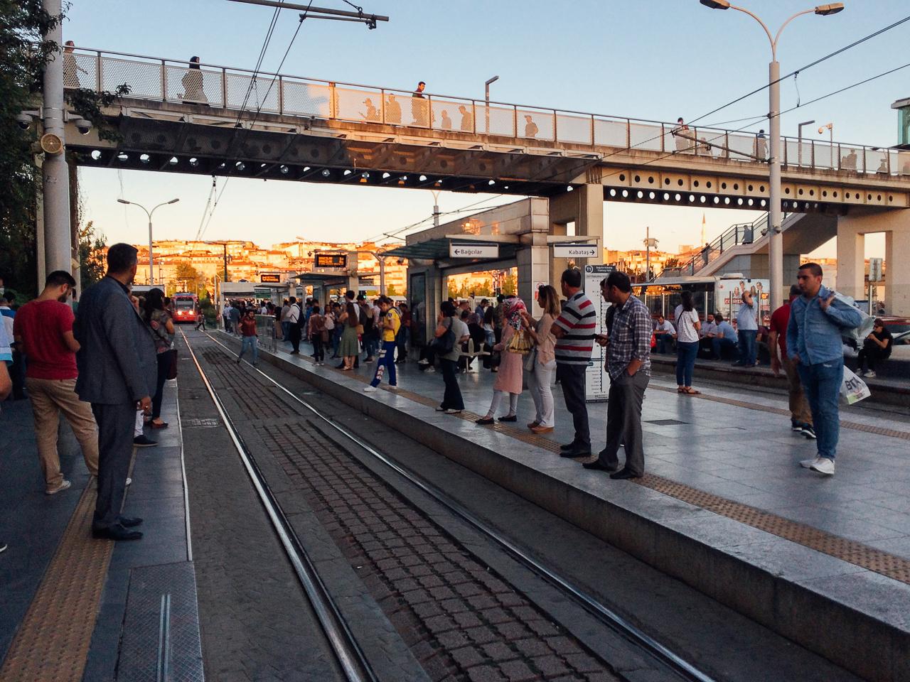 Стоповер в Стамбуле. День 1: Пересадка на трамвай на станции Zeytinburnu