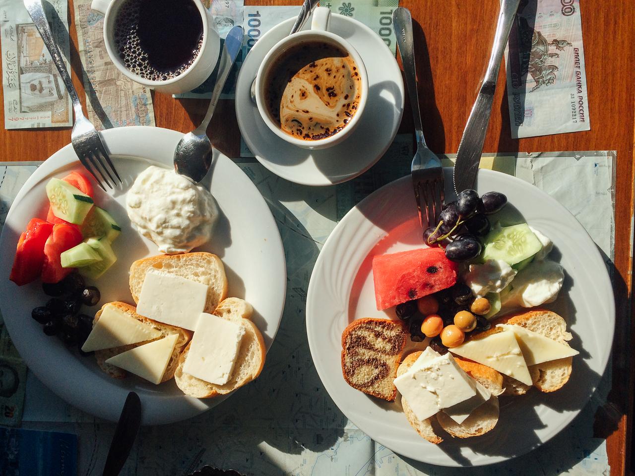 Стоповер в Стамбуле. День 1: Завтрак в Tulip Guesthouse