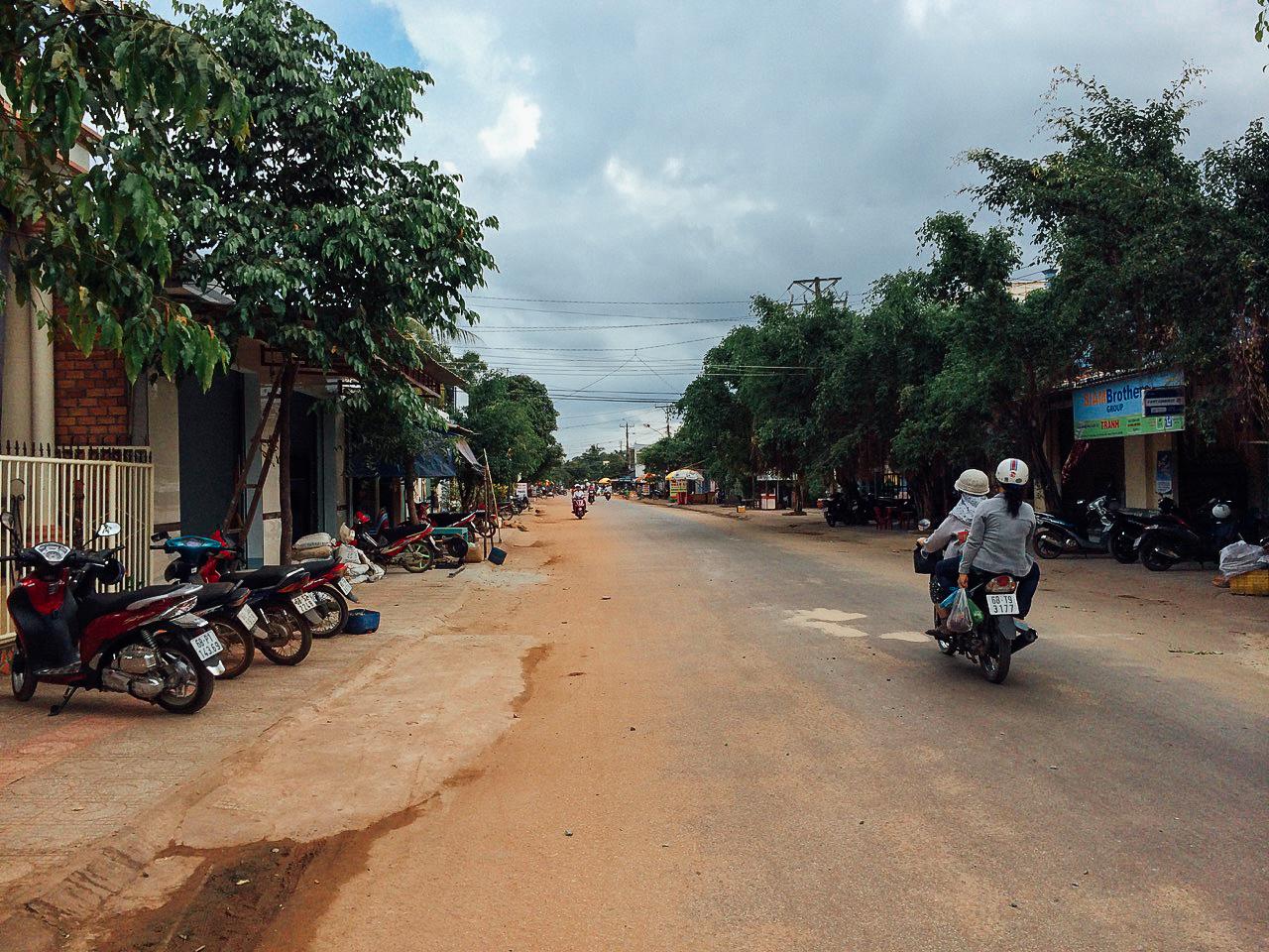Путешествие по Вьетнаму, Фукуок: Дорога, ведущая к городу